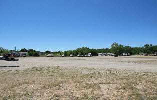 Land on I-35 Frontage Road